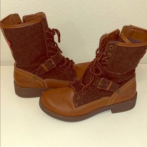 Shoes - Medium calf boots